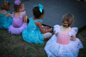 little dancers waiting